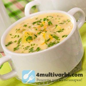 Сырный суп в мультиварке, в тарелке, на столе...