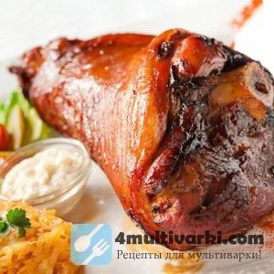 Тушеное мясо в мультиварке Поларис, приготовленное по-немецки