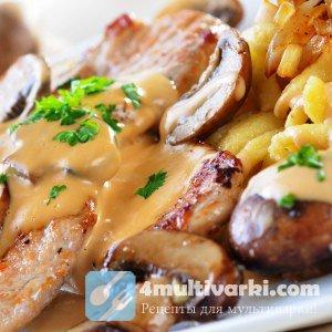 Жареная картошка с грибами в мультиварке особо хороша с курятиной и сыром!
