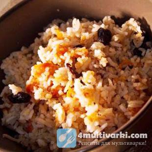 Азиатская кухня: плов с сухофруктами в мультиварке