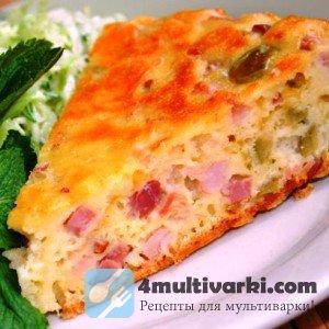 Сытный пирог с ветчиной, сыром и оливками