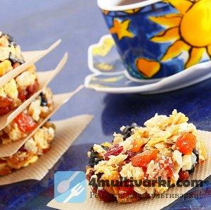 Овсяное печенье в мультиварке – с миндалем, кокосом и ягодами!