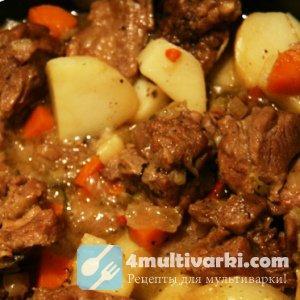 Всегда вкусна тушеная картошка с мясом в мультиварке