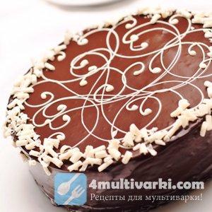 Творожный слой дополняет шоколадный пирог с вишней в мультварке