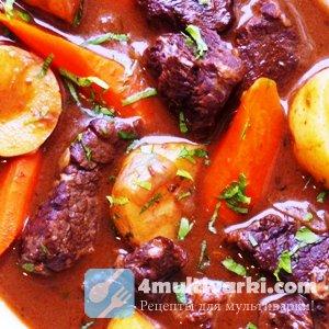 Обеденное блюдо: тушеная говядина с картошкой в мультиварке