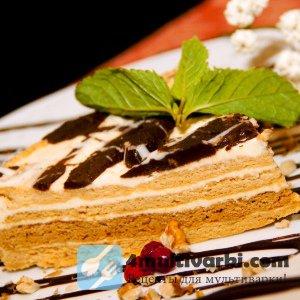 Оригинальный рецепт медового торта в мультиварке