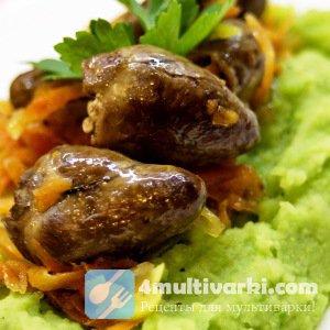 Обеденный рецепт куриных сердечек с картошкой в мультиварке