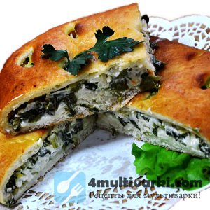 Весенний пирог с луком в мультиварке