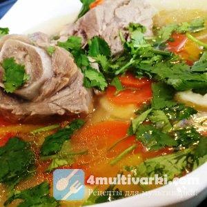 Мясо, овощи и лапша в мультиварке