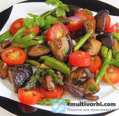 Салат с помидорами и грибами