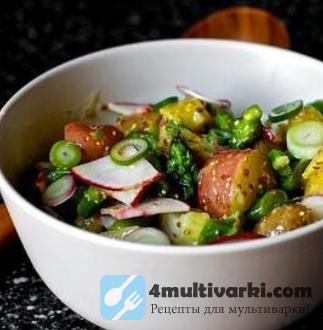 Салат с картофелем, маринованным луком